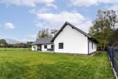 Architektonické pojetí domu bylo ovlivněno striktními regulativy platnými pro CHKO. Díky tomu zde vznikla stavba, kterou lze označit jako archetyp tradičního domu dané oblasti