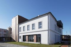 Akademie Madeta vznikla rekonstrukcí historického objektu v Českých Budějovicích, který přímo navazuje na areál firmy