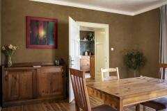 Interiér s příčkami z nepálených cihel Heluz Nature Energy s hliněnou omítkou