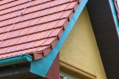 Jak zrekonstruovat střechu tak, aby byla věrná takřka stoletému originálu, a přitom byla moderní podle dnešních norem a požadavků? O tom je příběh vily ze Všenor